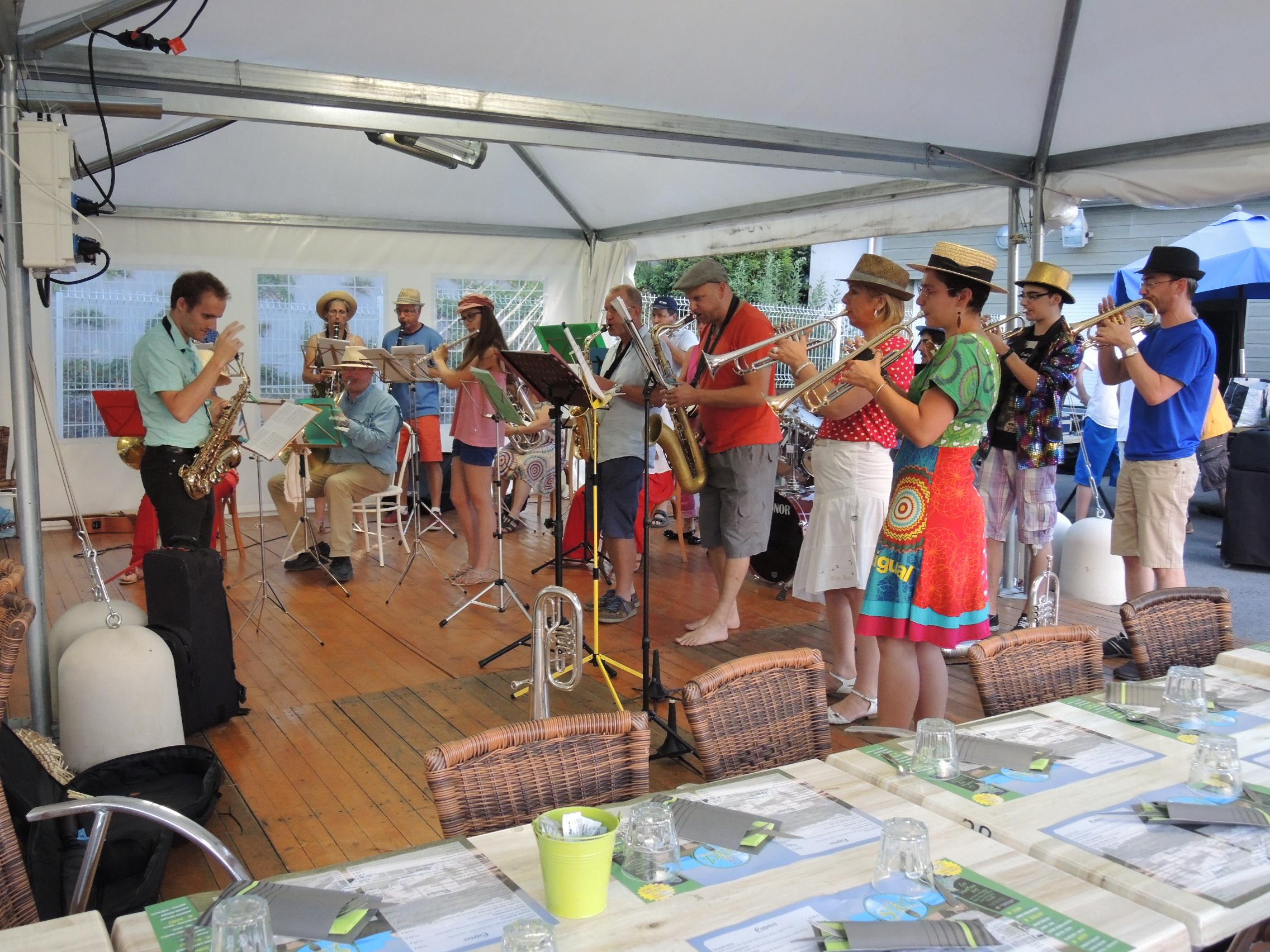 Musique et d couverte l orchestre musique et d couverte - Piscine des dronieres cruseilles ...